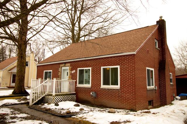 1889 Chestnut Street, Holt, MI 48842 (MLS #233702) :: Real Home Pros