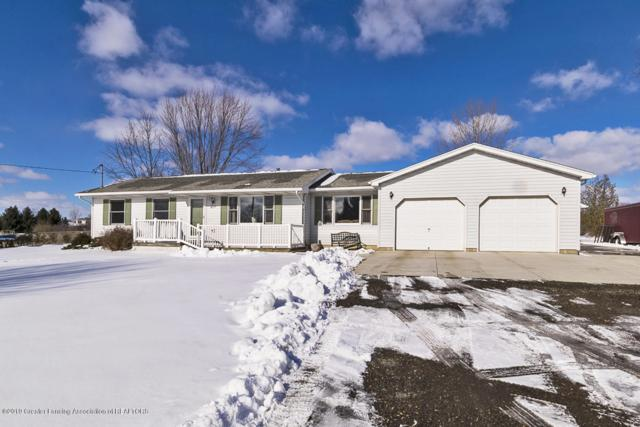 6215 E Clinton Trail, Eaton Rapids, MI 48827 (MLS #233956) :: Real Home Pros