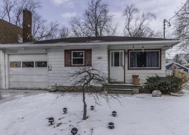 717 E Cavanaugh Road, Lansing, MI 48910 (MLS #234304) :: Real Home Pros