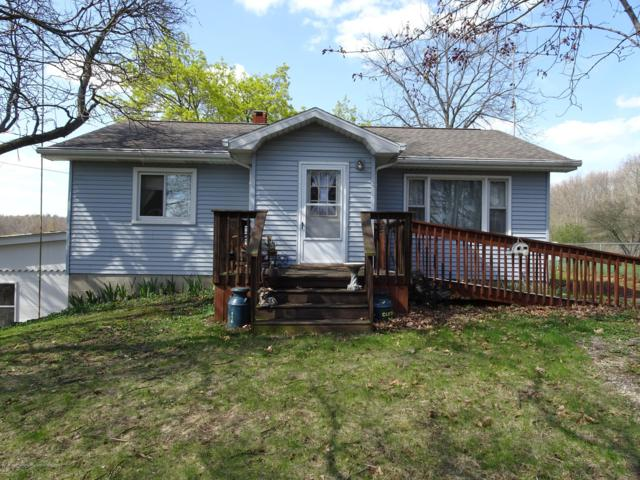 9060 W Beard Road, Laingsburg, MI 48848 (MLS #236170) :: Real Home Pros