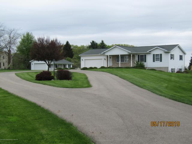 4525 E Clinton Trail Trail, Eaton Rapids, MI 48827 (MLS #236651) :: Real Home Pros