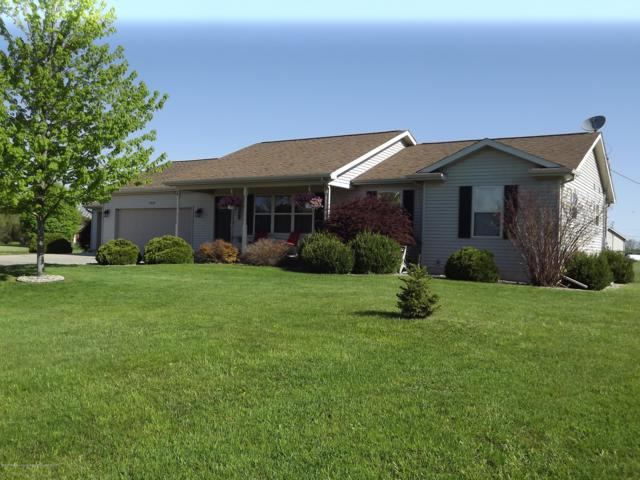 1922 W Lawrence Highway, Charlotte, MI 48813 (MLS #236735) :: Real Home Pros