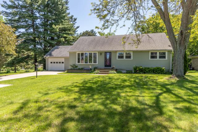 1047 W Round Lake Road, Dewitt, MI 48820 (MLS #237280) :: Real Home Pros