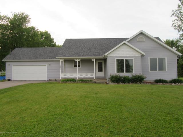 1547 E Tuttle Road, Ionia, MI 48846 (MLS #237672) :: Real Home Pros