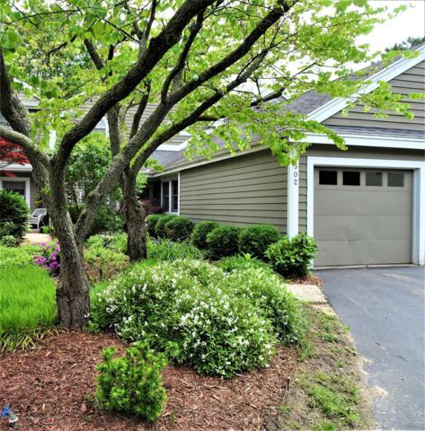 6302 W Lake Drive #2, Haslett, MI 48840 (MLS #237694) :: Real Home Pros