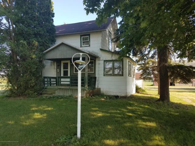 6775 W Walker Road, St. Johns, MI 48879 (MLS #238314) :: Real Home Pros