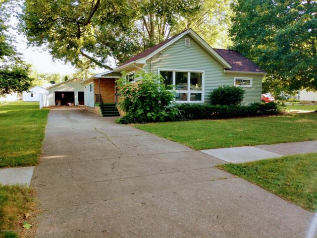 605 W Baldwin Street, St. Johns, MI 48879 (MLS #238715) :: Real Home Pros
