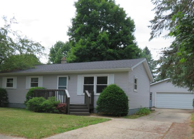 715 Walnut Street, Charlotte, MI 48813 (MLS #238933) :: Real Home Pros