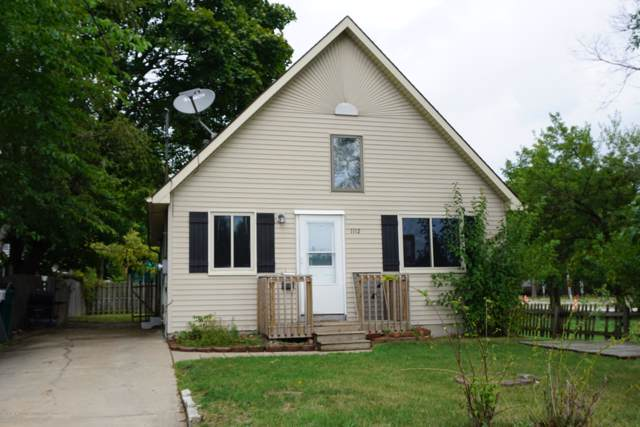 1112 Victor Avenue, Lansing, MI 48910 (MLS #240857) :: Real Home Pros