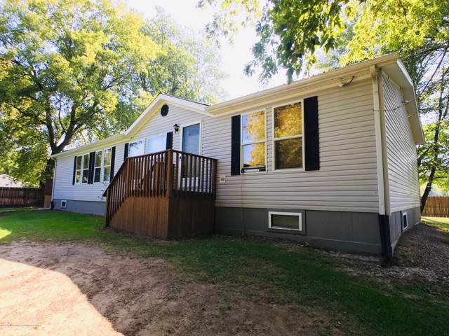 5177 Dove Road, Smiths Creek, MI 48074 (MLS #241121) :: Real Home Pros