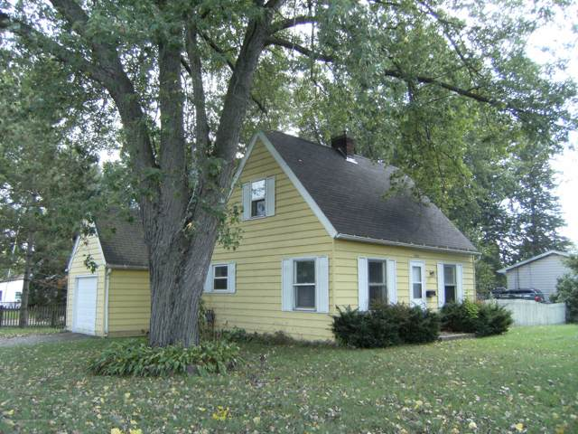 3001 Ingham, Lansing, MI 48911 (MLS #241210) :: Real Home Pros