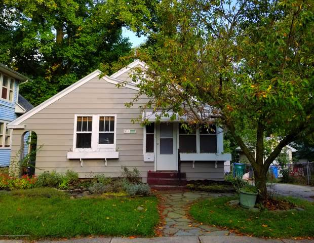 2515 Harding Avenue, Lansing, MI 48910 (MLS #241385) :: Real Home Pros