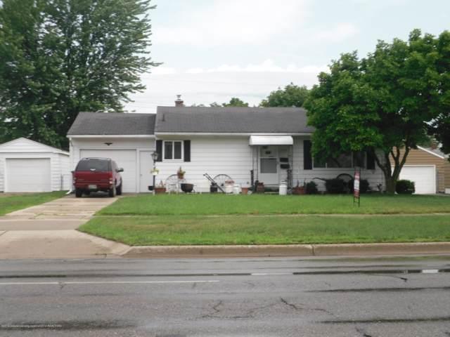3424 W Willow Street, Lansing, MI 48917 (MLS #241538) :: Real Home Pros