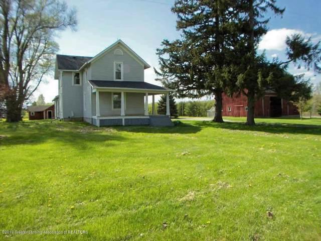 7904 S Francis Road, Dewitt, MI 48820 (MLS #241904) :: Real Home Pros