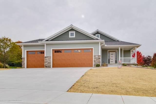 825 Greenwich Drive, Grand Ledge, MI 48837 (MLS #241937) :: Real Home Pros