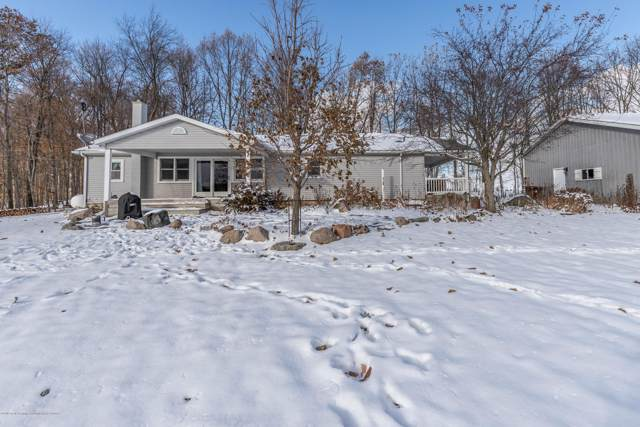 1504 S Chester Road, Charlotte, MI 48813 (MLS #242468) :: Real Home Pros
