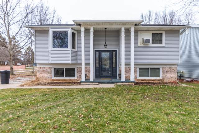 215 Oakwood Street, Grand Ledge, MI 48837 (MLS #244052) :: Real Home Pros