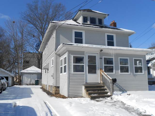2024 Forest Avenue, Lansing, MI 48910 (MLS #244227) :: Real Home Pros