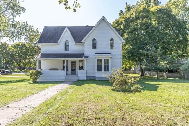 405 Jefferson, Grand Ledge, MI 48837 (MLS #244287) :: Real Home Pros