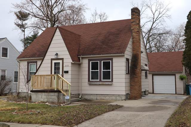 2335 Harding Avenue, Lansing, MI 48910 (MLS #245049) :: Real Home Pros