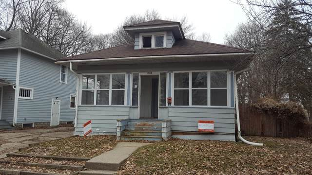 2122 Forest Avenue, Lansing, MI 48910 (MLS #245298) :: Real Home Pros