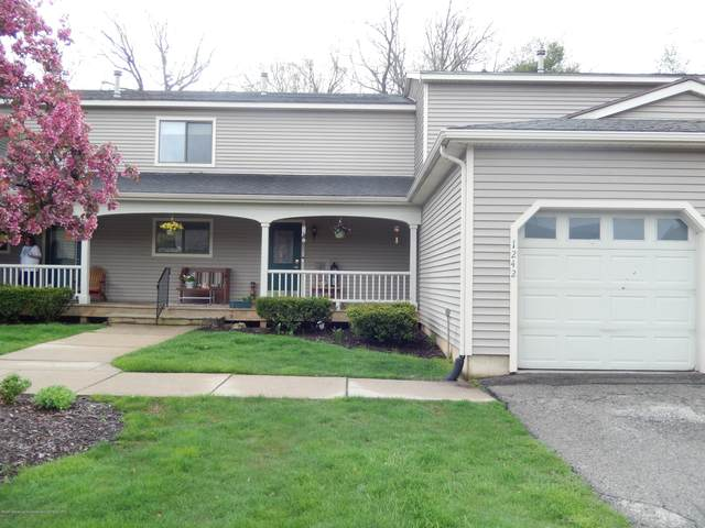 1242 Zimmer Place #11, Williamston, MI 48895 (MLS #246089) :: Real Home Pros