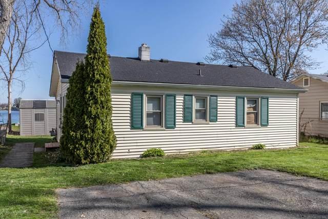 6017 Twin Oaks Drive, Laingsburg, MI 48848 (MLS #246093) :: Real Home Pros