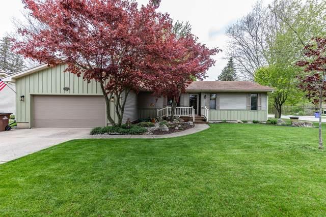 1025 Gretchen Lane, Grand Ledge, MI 48837 (MLS #246163) :: Real Home Pros
