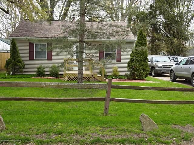 920 Loa Street, Lansing, MI 48910 (MLS #246170) :: Real Home Pros