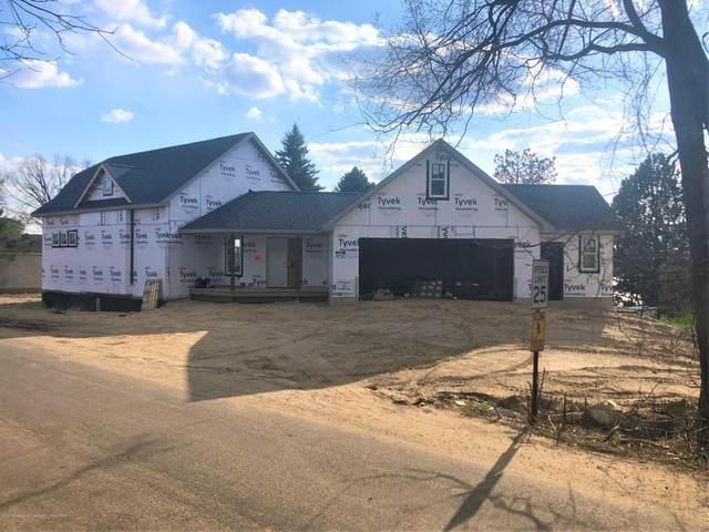 9258 Oakdale Drive, Laingsburg, MI 48848 (MLS #246334) :: Real Home Pros