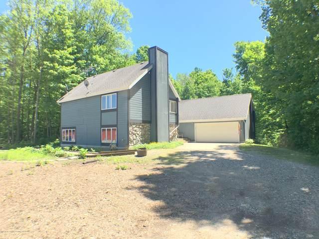 3618 Benton, Charlotte, MI 48813 (MLS #246490) :: Real Home Pros
