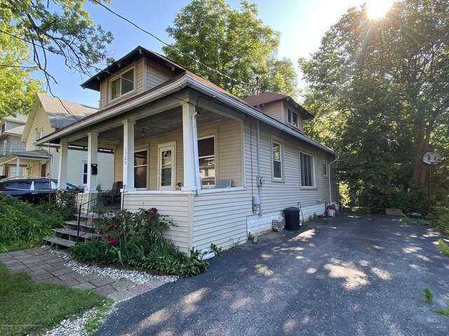 1529 Linval Street, Lansing, MI 48910 (MLS #246899) :: Real Home Pros