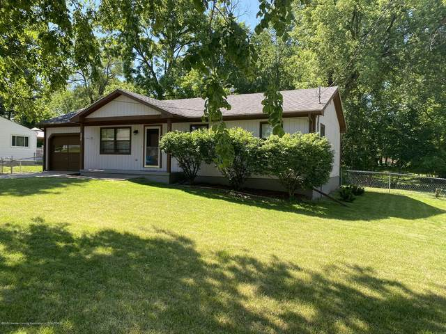 3721 Cooley Drive, Lansing, MI 48911 (MLS #246977) :: Real Home Pros