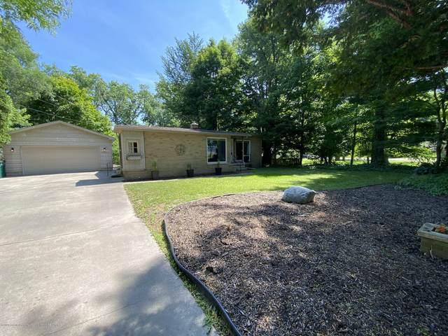 5921 Woodgate Drive, Lansing, MI 48911 (MLS #247149) :: Real Home Pros