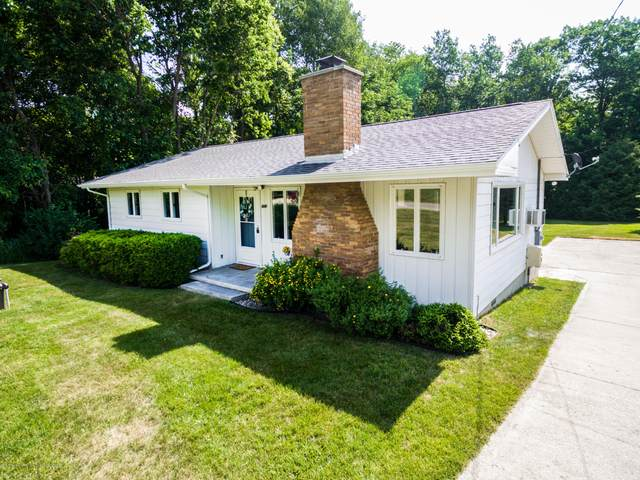 4841 Sunset Drive, Perrinton, MI 48871 (MLS #247150) :: Real Home Pros