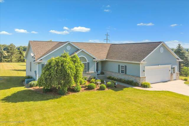 5260 W Howe Road, Dewitt, MI 48820 (MLS #247269) :: Real Home Pros