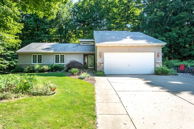 714 Tanbark Drive, Dimondale, MI 48821 (MLS #247366) :: Real Home Pros