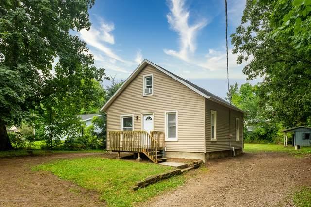 13580 Walnut Street, Bath, MI 48808 (MLS #248239) :: Real Home Pros