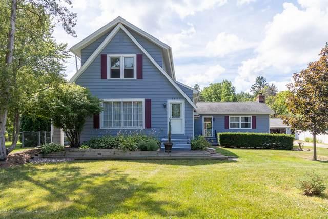 2401 Delta River Drive, Lansing, MI 48906 (MLS #248359) :: Real Home Pros