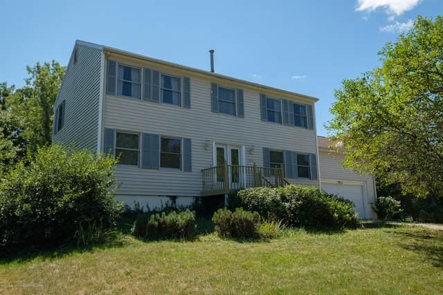 2613 Tecumseh River Road, Lansing, MI 48906 (MLS #248951) :: Real Home Pros