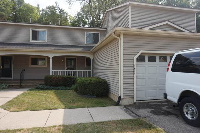 1234 Zimmer Place #15, Williamston, MI 48895 (MLS #249160) :: Real Home Pros