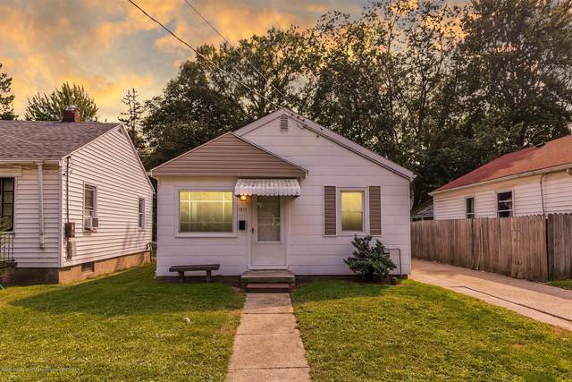 1317 W Mount Hope Avenue, Lansing, MI 48910 (MLS #249817) :: Real Home Pros