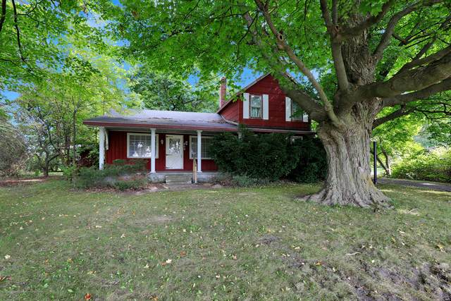 864 Hogsback, Mason, MI 48854 (MLS #250097) :: Real Home Pros