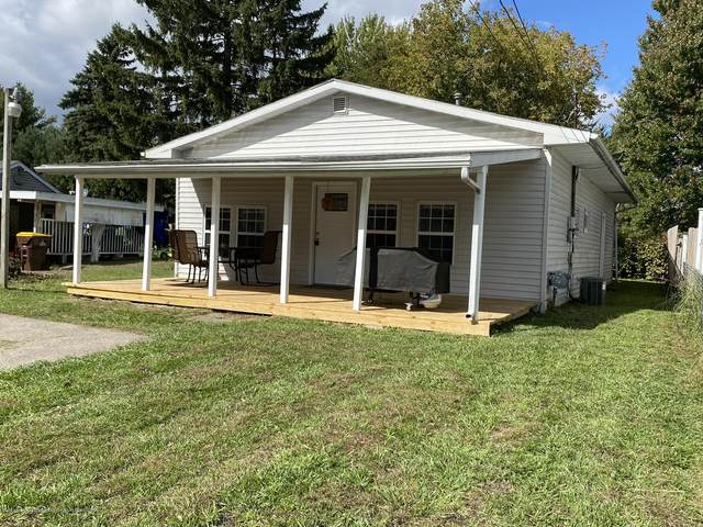 5813 Outer Drive, Bath, MI 48808 (MLS #250391) :: Real Home Pros