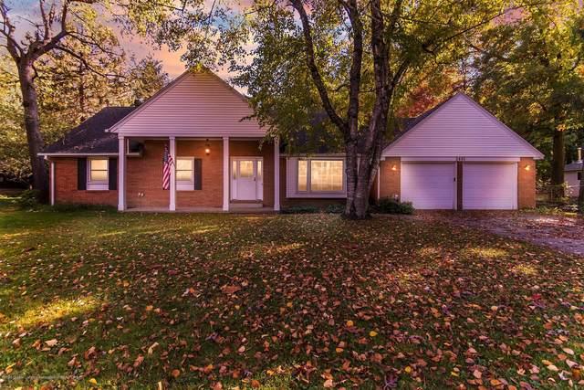 2401 Kewanee Way, Okemos, MI 48864 (MLS #250458) :: Real Home Pros