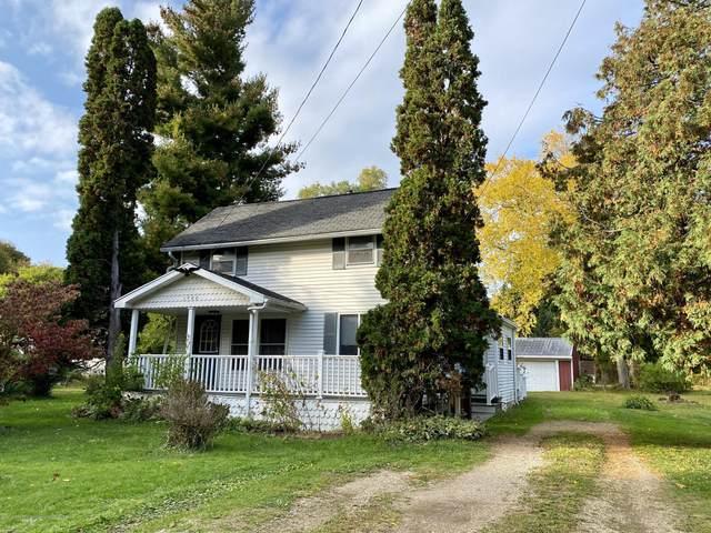 1900 Lakeview Road, Lansing, MI 48906 (MLS #250639) :: Real Home Pros
