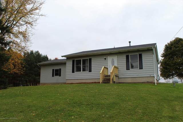 8425 Corrison Road, Grand Ledge, MI 48837 (MLS #250969) :: Real Home Pros