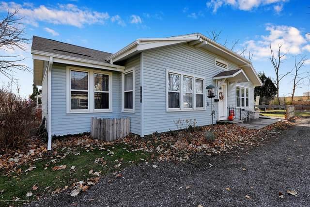 116 Pearl Street, Charlotte, MI 48813 (MLS #251487) :: Real Home Pros
