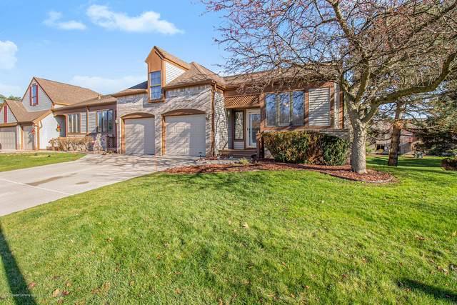 1130 Rolling Green Lane, Lansing, MI 48917 (MLS #251712) :: Real Home Pros