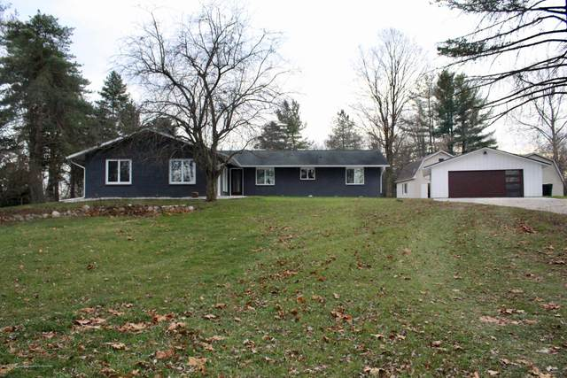284 E Kinsel Highway, Charlotte, MI 48813 (MLS #251725) :: Real Home Pros